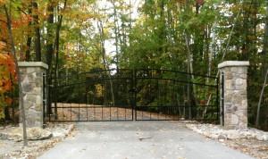 Iron Driveway Gates Fennelon Falls, Ontario